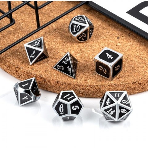 Комплект D&D зарове: Metal & Enamel 7 Dice Set: Shifting Colors Black to Red & Silver Numbers в D&D и други RPG / D&D Зарове